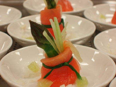 Laocook Asparagus Spears with Smoked Salmon
